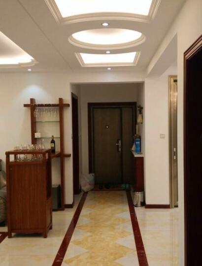 过廊吊顶造型凸显简欧特色